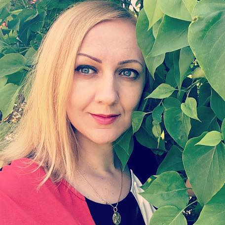 Iryna's English Page facebook english tutors